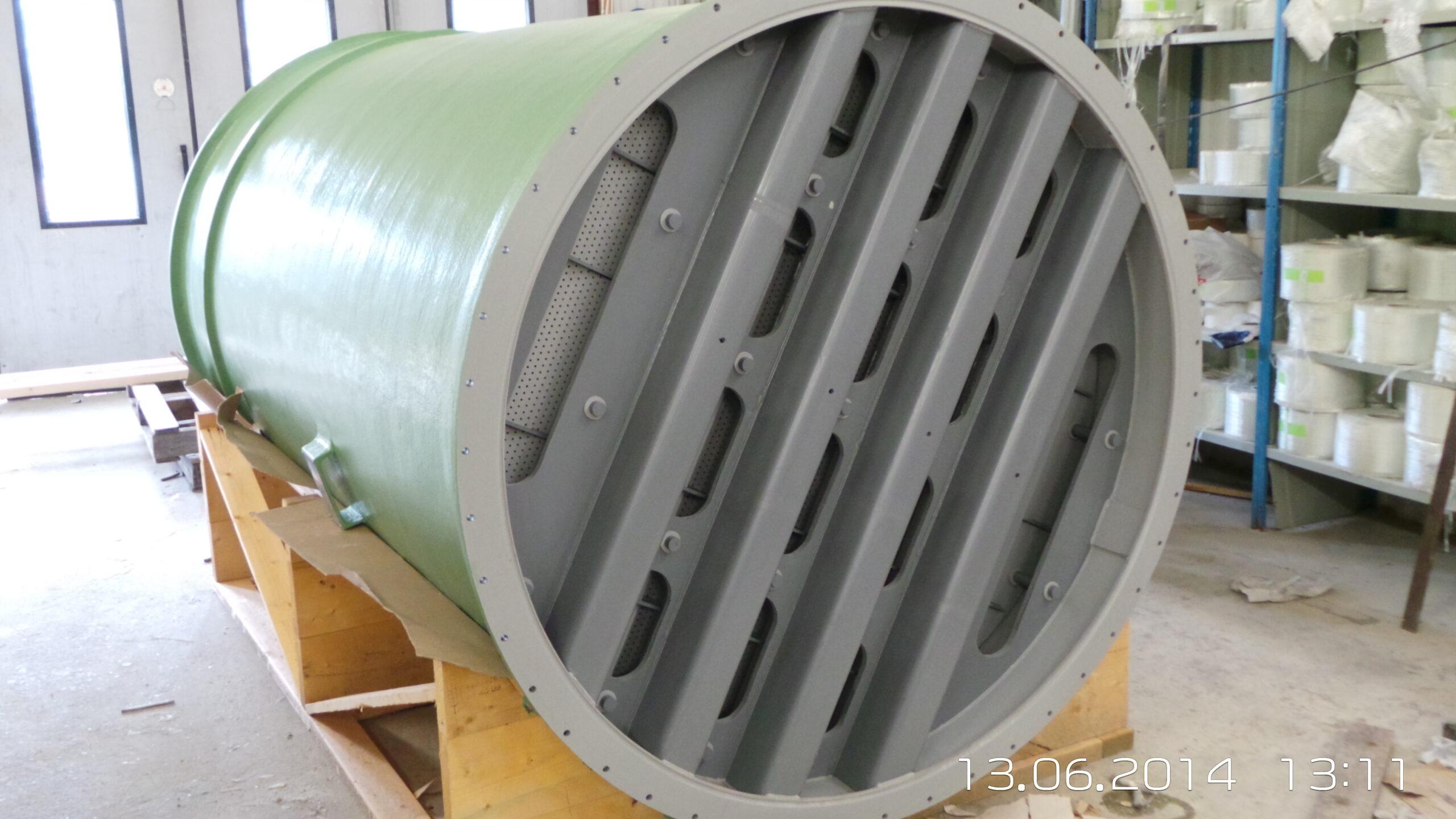 2014-06 Absorptionstorn för ClO2. Ny sektion Nr 1, tillverkad i CPVC och GAP.